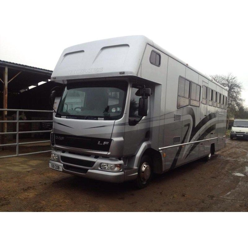 Leyland Daf, 12 tonne 2003, 247k kilometres from new. Spacious horse area, carries 4 large horses, also with rug racks and roof vents | For sale on HorseDeals.co.uk