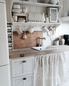 shabby chic kitchen cabinet with lovely curtain skirt in two ... - Shabby Chic Küchen