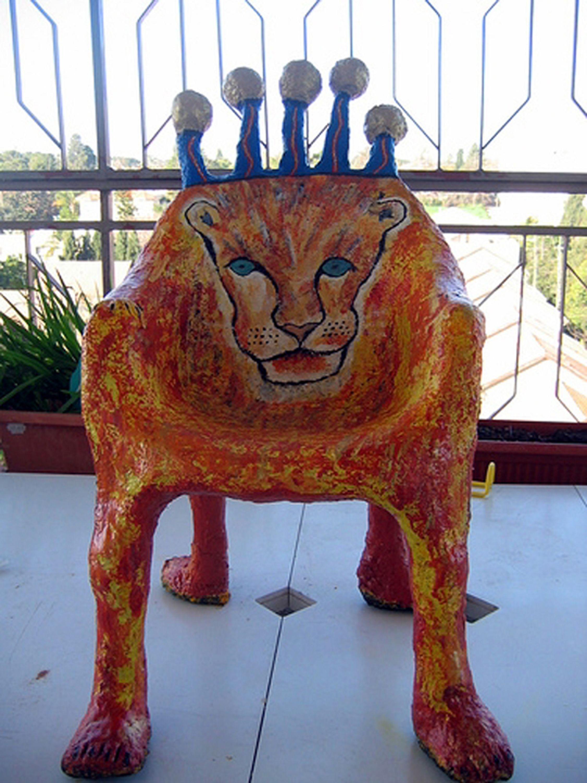 Paper Mache Chair | Art Education and Paper Mache | Pinterest | Alte ...