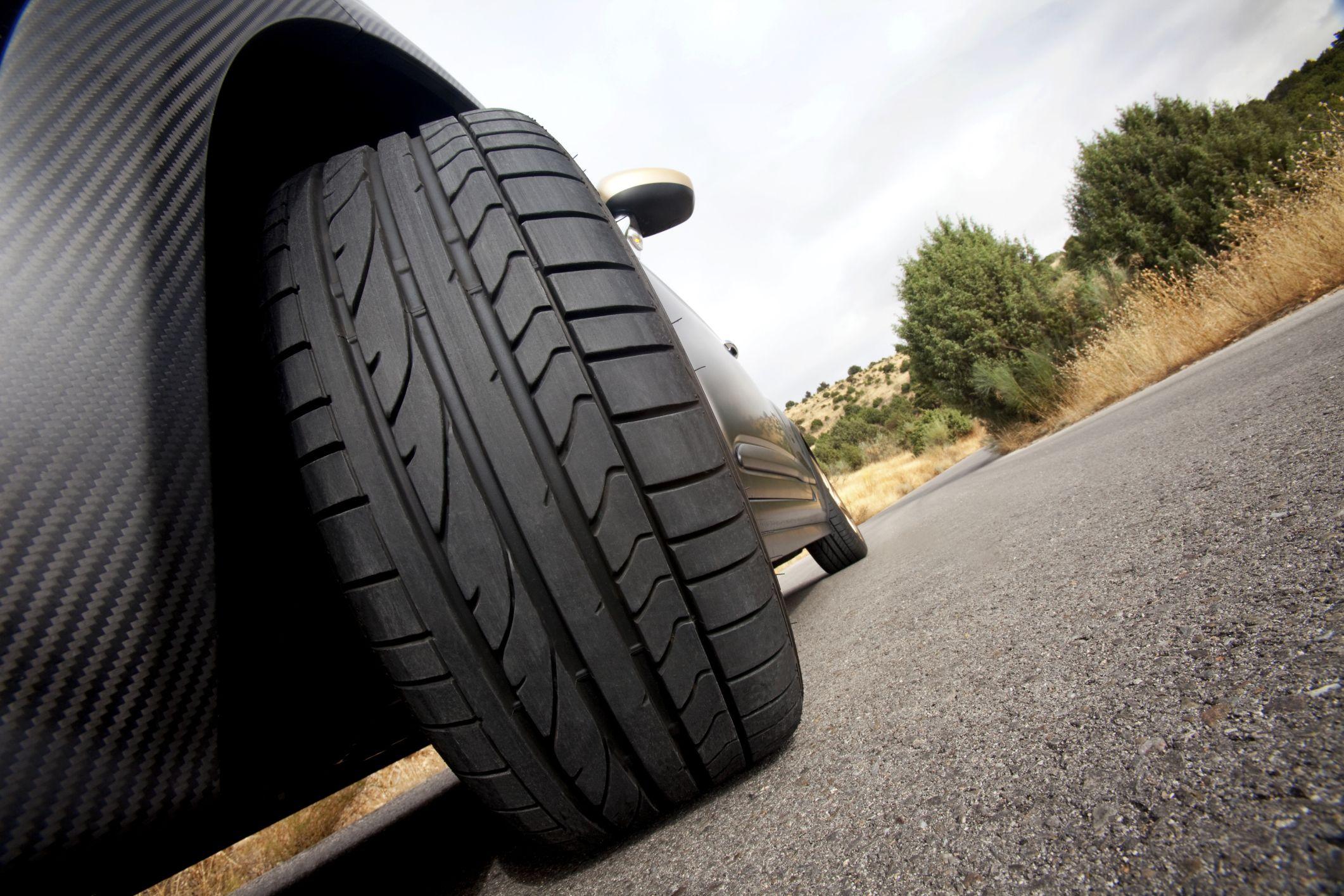 Bạn đã chăm sóc cho lốp xe hơi đúng cách ?