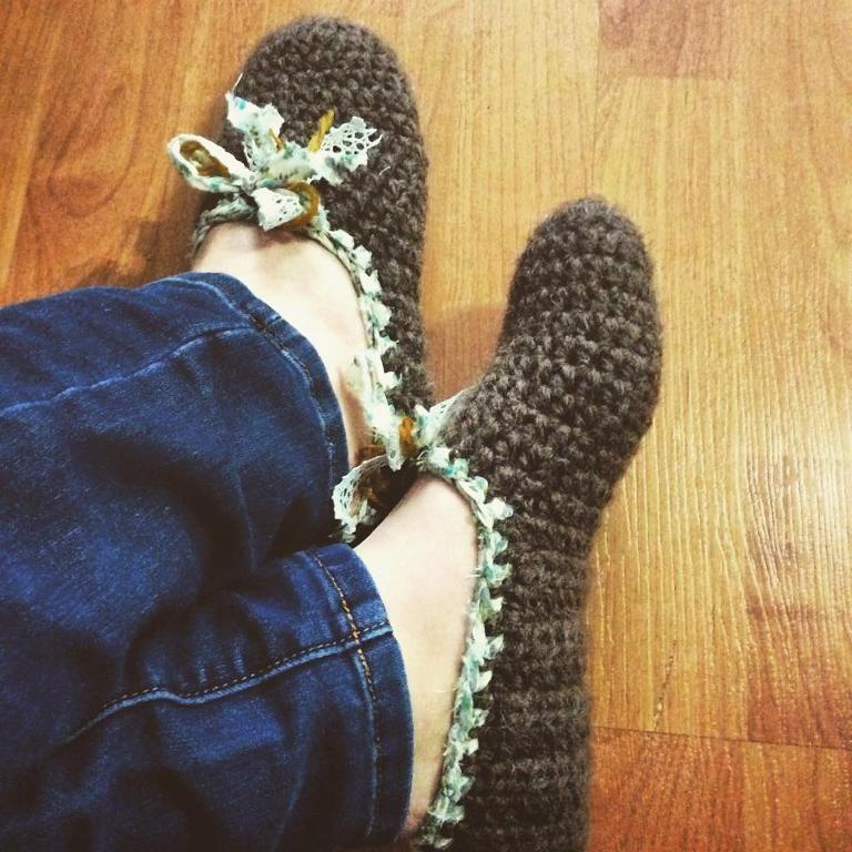 rustic slippers free crochet pattern