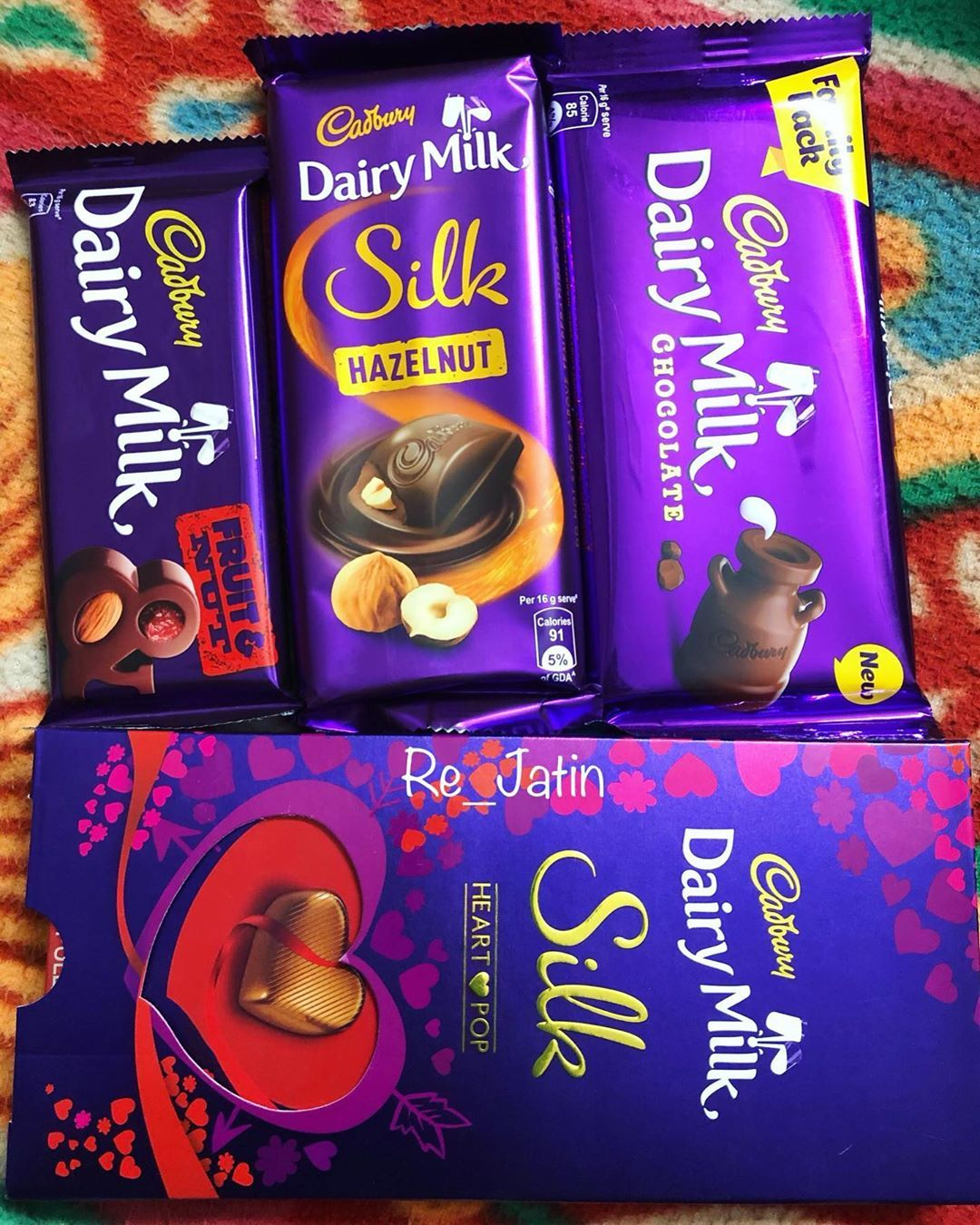 Happychocolateday Apko Aur Apki Gf Ko Re Jatin Dairy Milk Silk Cadbury Dairy Milk Dairy Milk Chocolate