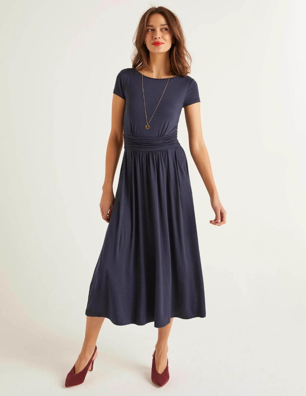 Faye Jersey Midi Dress Navy Navy Midi Dress Midi Dress Burgundy Midi Dress [ 1292 x 1000 Pixel ]