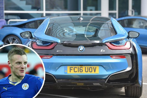 Leicester City Boss Treats Premier League Winners