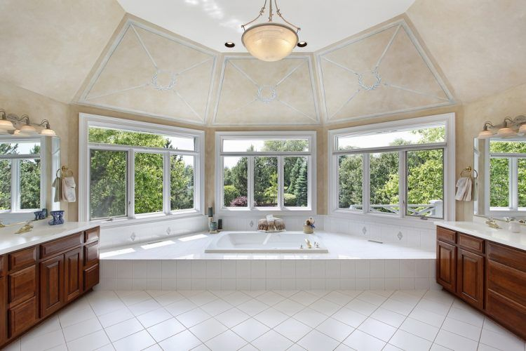 20 Beautiful Bathrooms With Bay Windows Bathroom Design Luxury