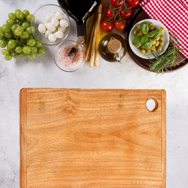 Indus Valley Wooden Chopping Board for Kitchen Sheesham Wood Circle Cutting