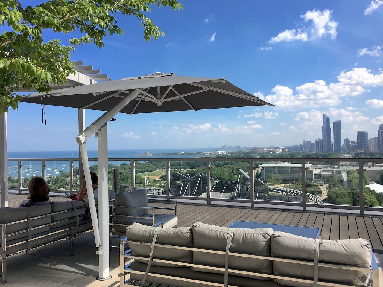 The Poggesi One Keeping Guests Cool In The Chicago Sun Large Outdoor Umbrella Outdoor Restaurant Patio Outdoor Umbrella