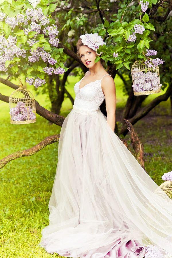 Заглядывать невесте под юбку