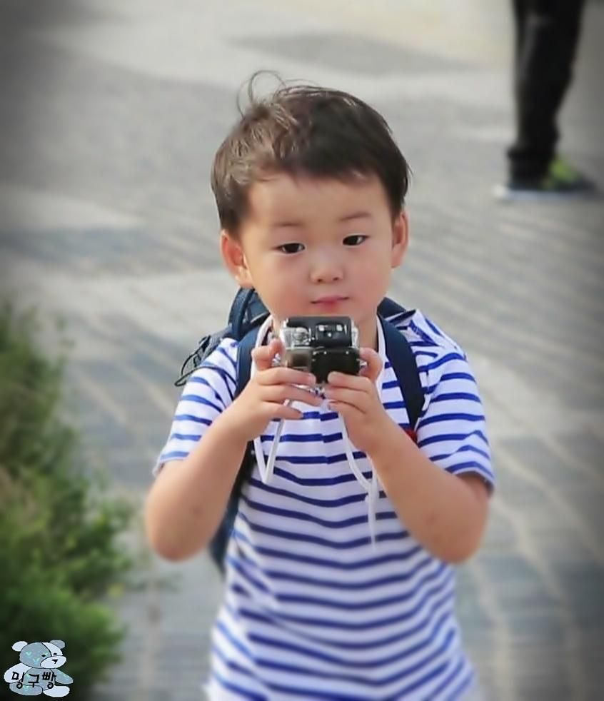 Daehan Minguk Manse With Song Il Gook Cause Thia Way He Must