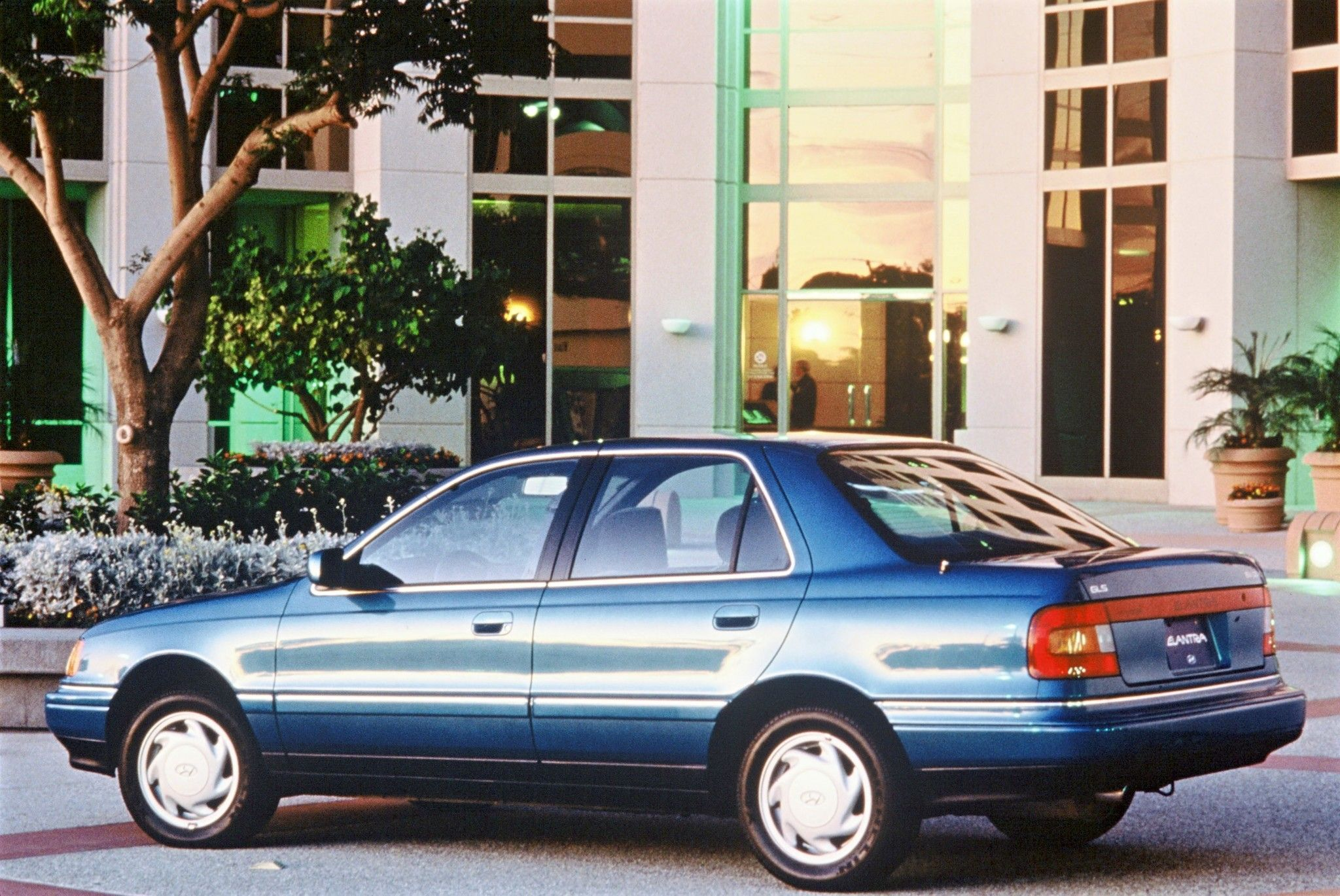 Hyundai Elantra North America (J1) '199093