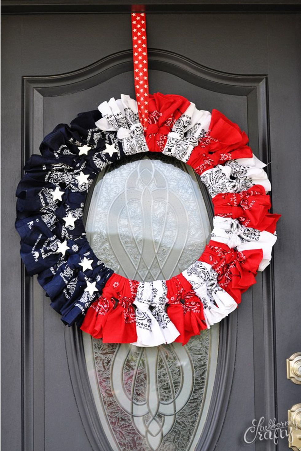 Photo of 20 DIY Patriotic Wreaths That Will Show Everyone Just How Much You Love America