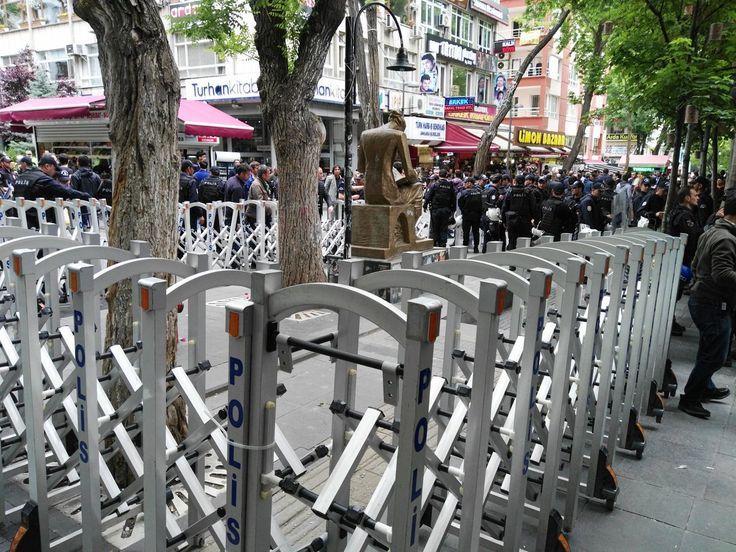 Polis sonunda İnsan Hakları Anıtı'nı da gözaltına aldı!