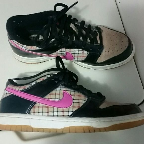 Nike airforce low top Very cool pattern! Size 4 in kids, equivalent to a women's 6. Good condition, despite slight discoloration on back (shown in 2nd photo). Nike Shoes Sneakers