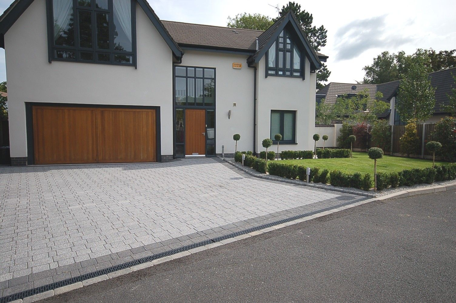 Pic Gt Modern Driveways Images Pavers Pinterest