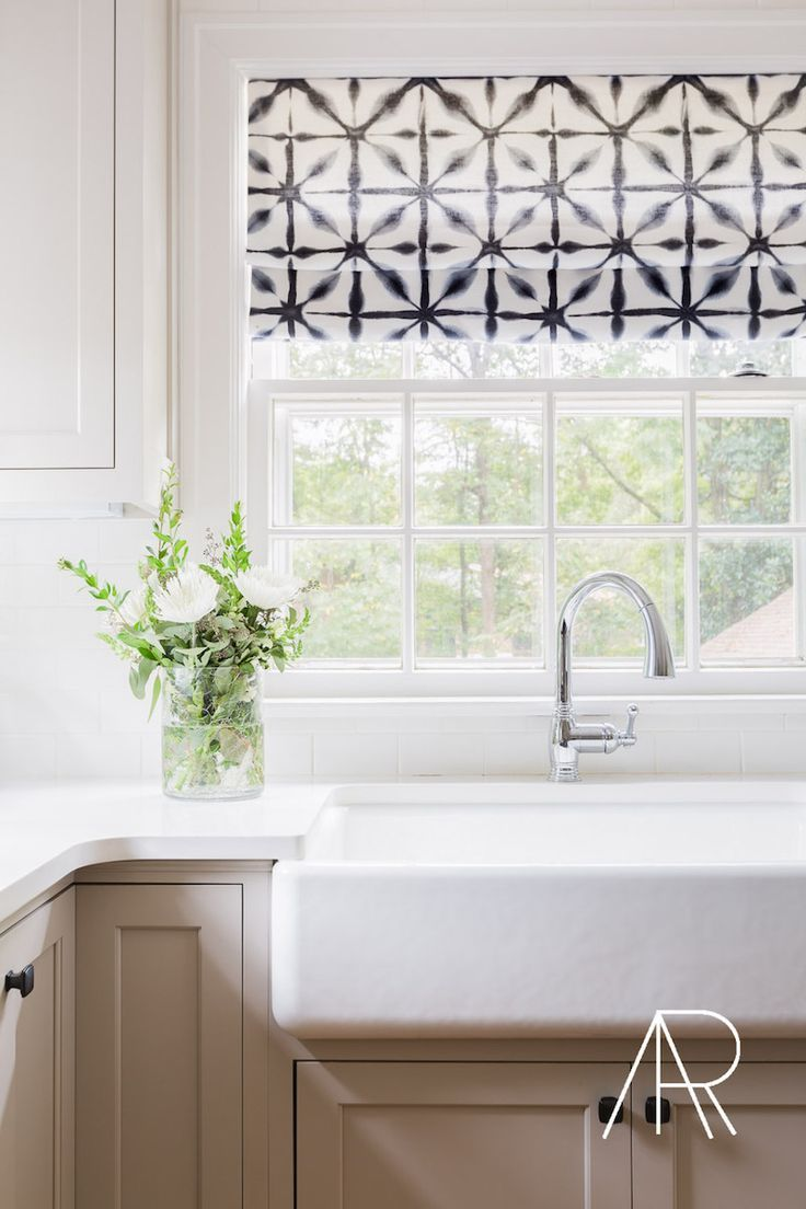 6 Lovely Farmhouse Sinks & Apron Front Sinks for the Kitchen | Küche ...