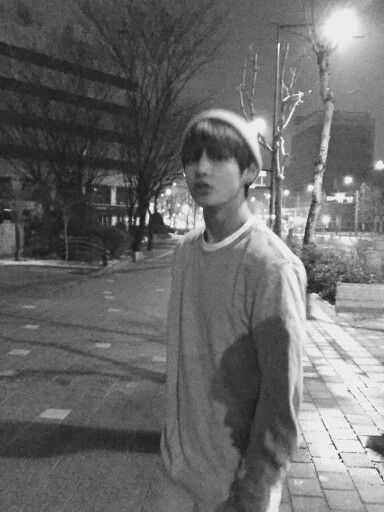 Bts V Taehyung Blurry Photo Orang Lucu Selebritas Ide Kencan