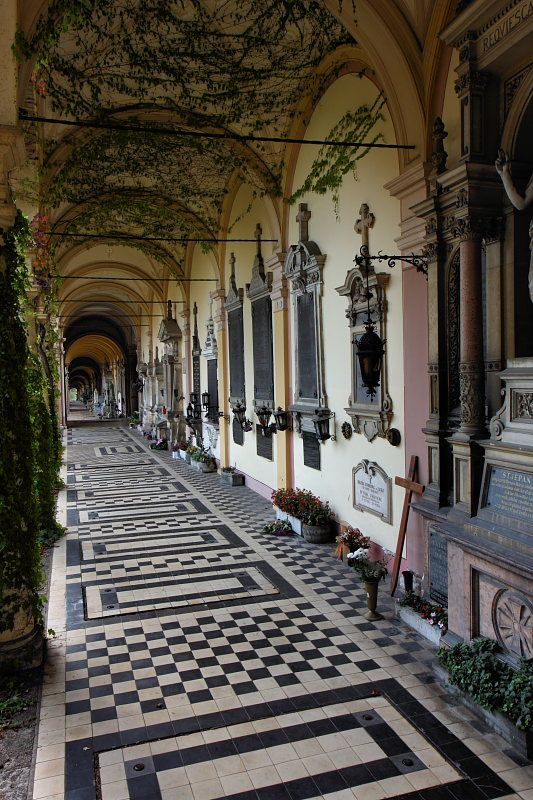 i've been here!! i spent an entire afternoon in this cemetery:) Mirogoj - Zagreb, Hrvatska