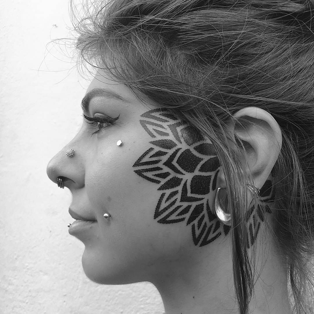 Heavy blackwork mandala flower on face by corey divine for Teschi messicani femminili
