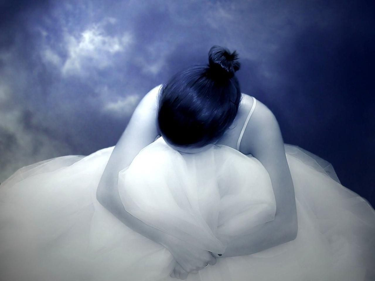 Dark Fantasy Facebook Covers: Free Download HD White Dress Sad Fantasy Dark Girl