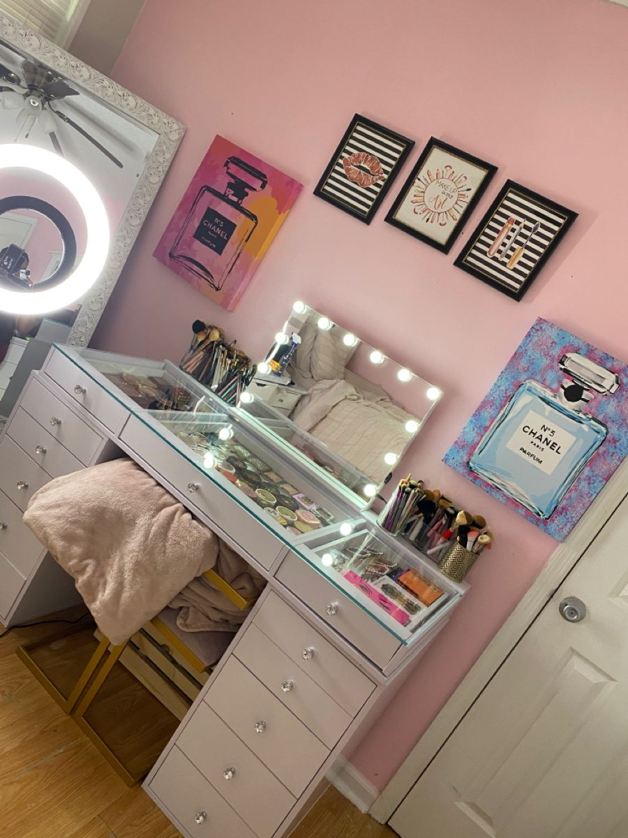 #slaystation #vanity #beautyroom #makeupcollection #makeupcollectionbeautyroom #impressionsvanity