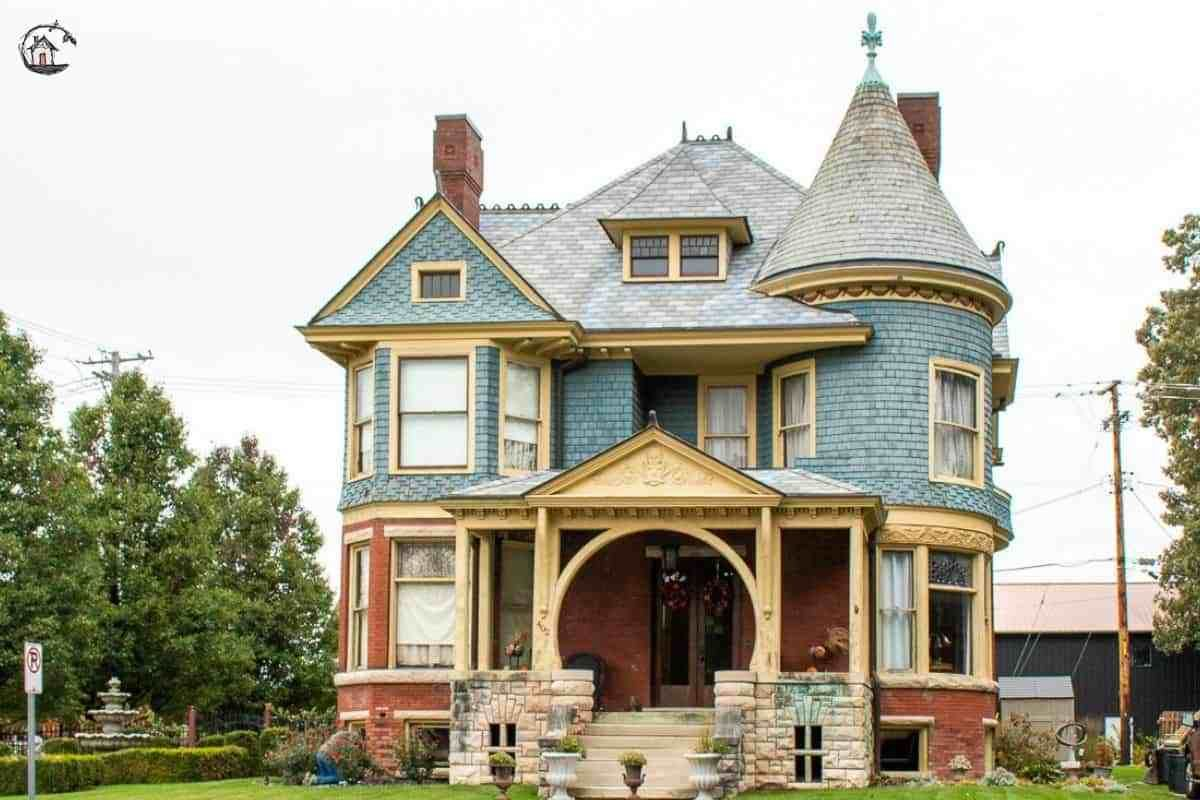 10 Dreamy Old Houses To Love Sage Cottage Architects Painted Lady House House Styles Old Houses