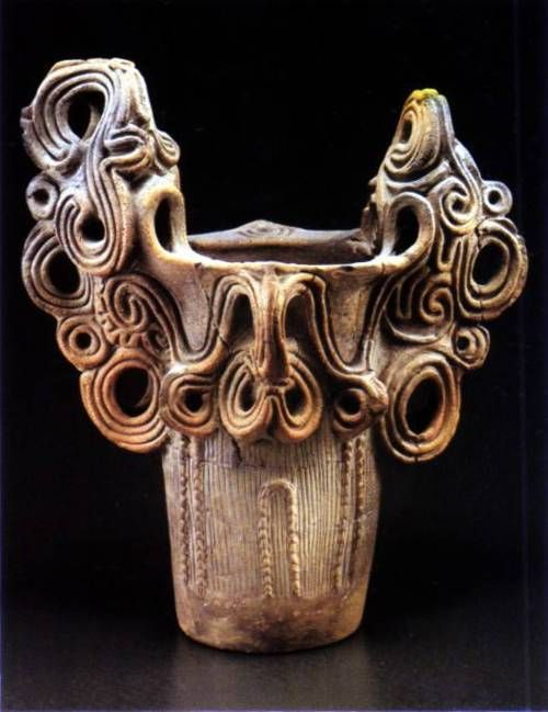 Middle period Jomon pot, possibly 3500-4500 years old. Note the fantastical rim decoration. Jomon are the earliest known pots, dating back over 12,000 years, and found exclusively in what is now Japan. Before Jomon, no stew (per the History of the World in 100 Objects). No storing seeds for the next spring. No crashing pots into the fireplace or other civilized delights yet to come.  amaki09:  古代日本人の造形センスsugeeee!!!な画像を貼っていくスレ:ハムスター速報  (note: the anglicized sugee in this URL means awesome. I agre #historyoftheworld