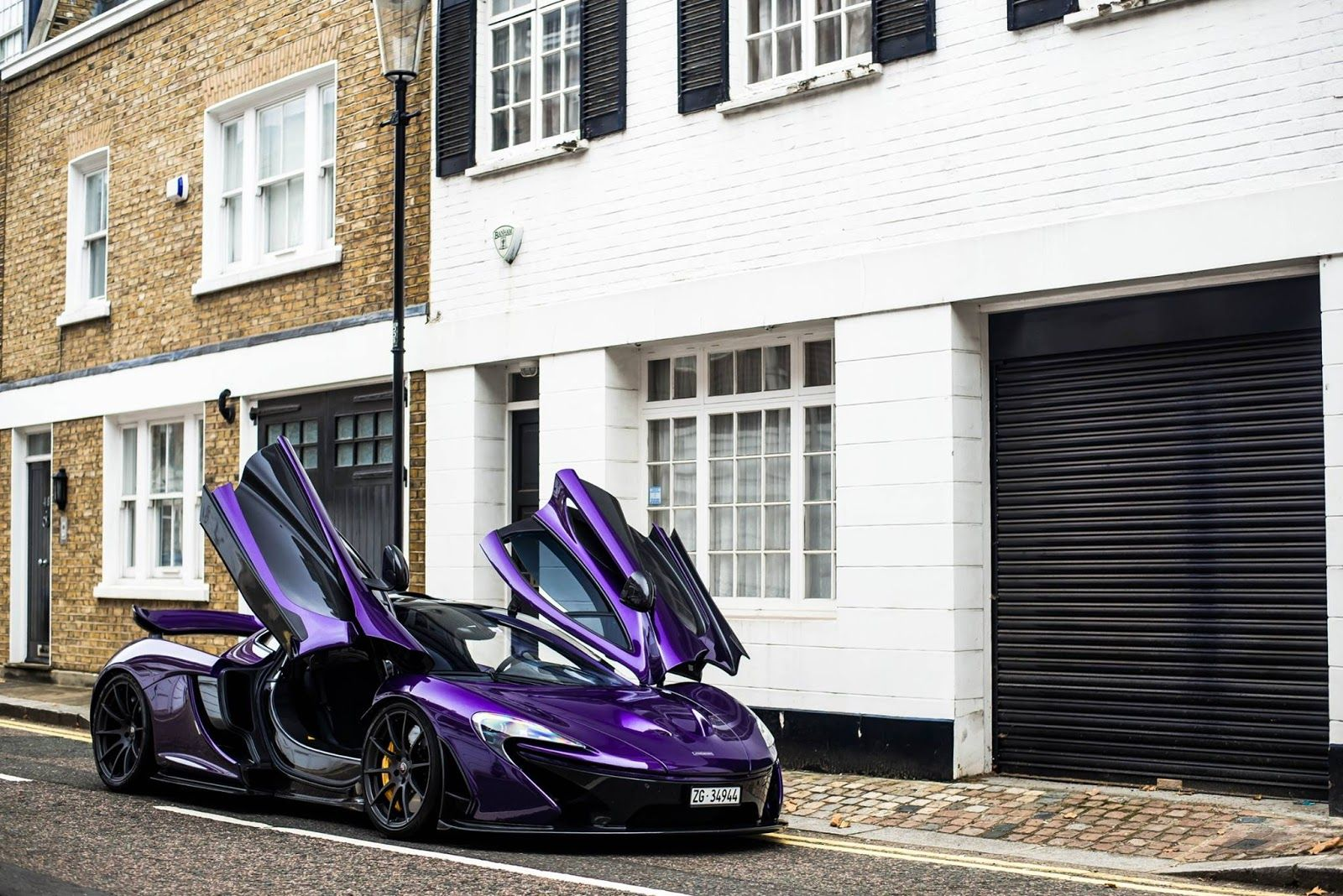 Amazing Purple Carbon Fiber Mclaren P1 Lands In London Carscoops Mclaren P1 Mclaren Mclaren Gtr