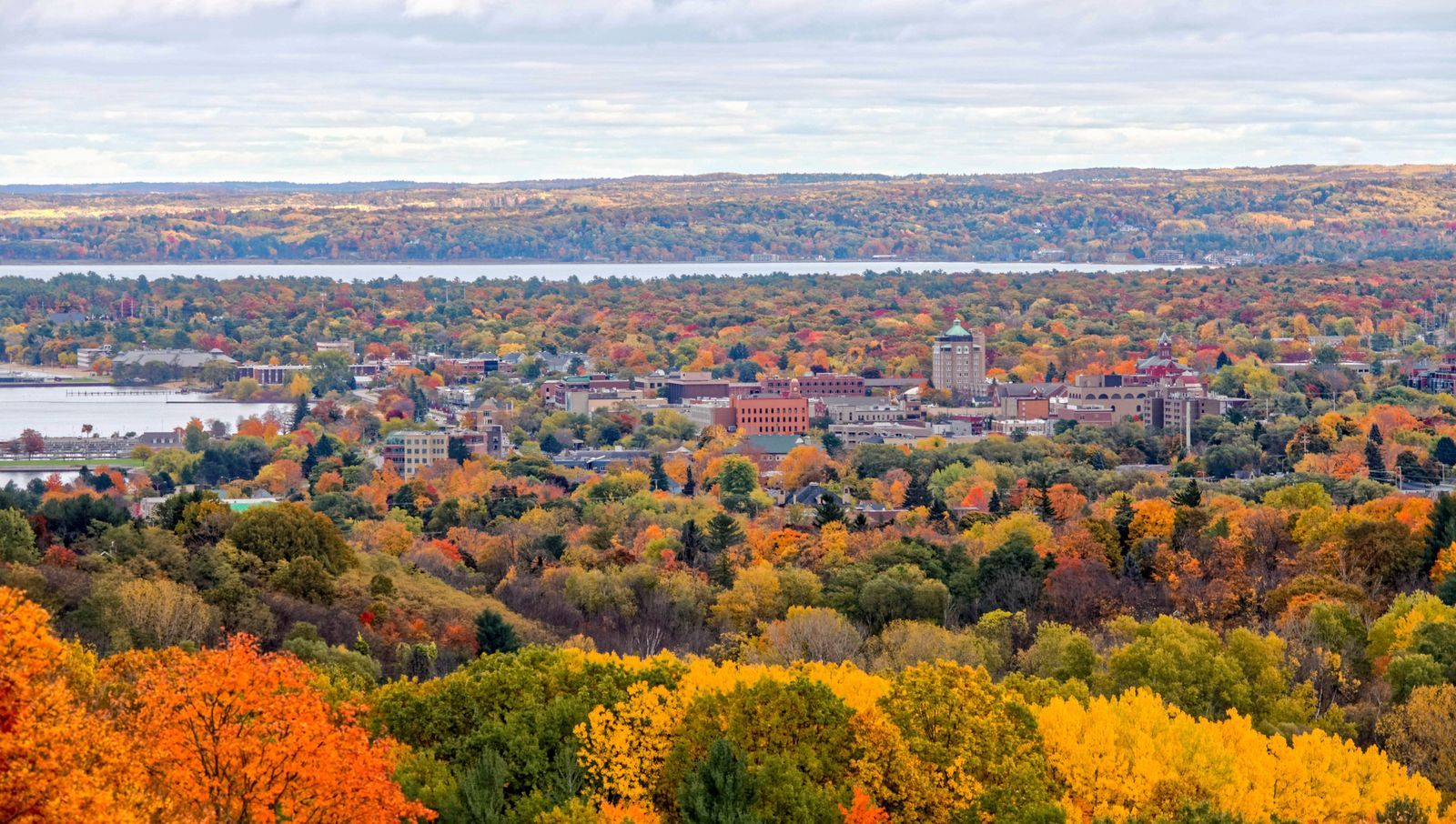 20 Of The Best Fall Getaways For A Weekend Escape Places To See The Good Place Travel