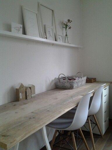 Afbeeldingsresultaat voor slaapkamer met schuine wand - bureau/tafel ...