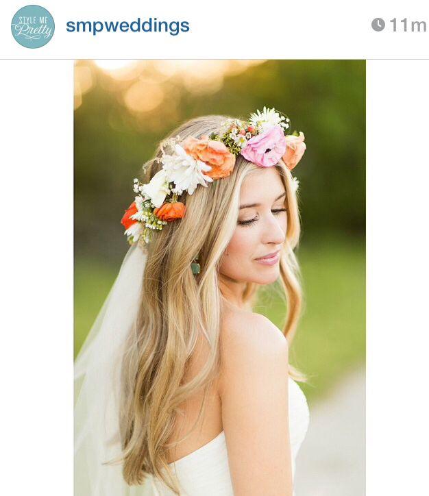 Fall Wedding Hairstyles With Flower Crown: This Hair Look + Flower Crown & Veil = Grood!