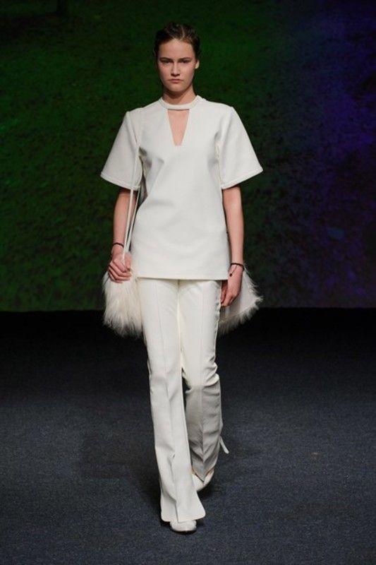L'automne hiver 1516 comme une seconde peau selon Bernard Chandran #LeFashionPost #WilliamArlotti #Interview #Mode #Fashion #Webzine #Lifestyle #Designer #Malaisie #AH1516 #BernardChandran