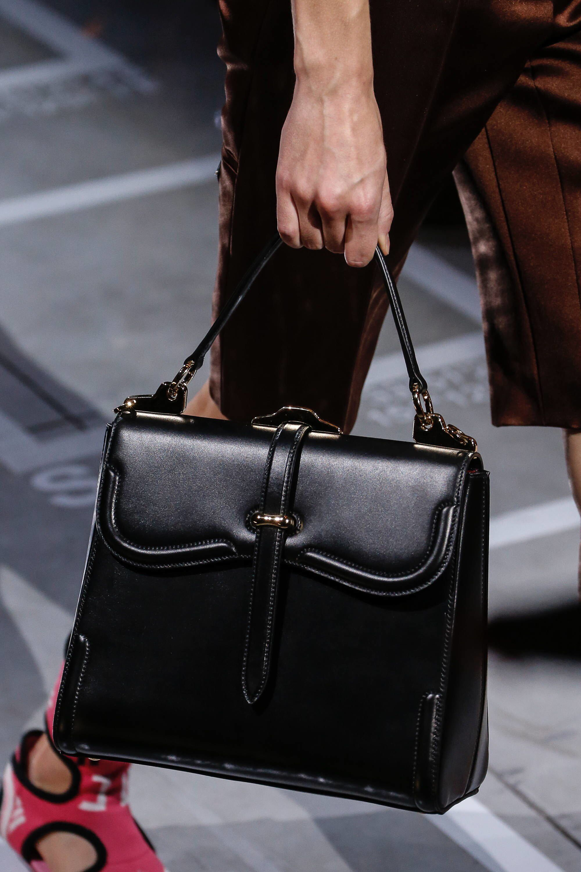 862ac8d48 Prada Spring 2019 Ready-to-Wear Fashion Show Details: See detail photos for Prada  Spring 2019 Ready-to-Wear collection. Look 6