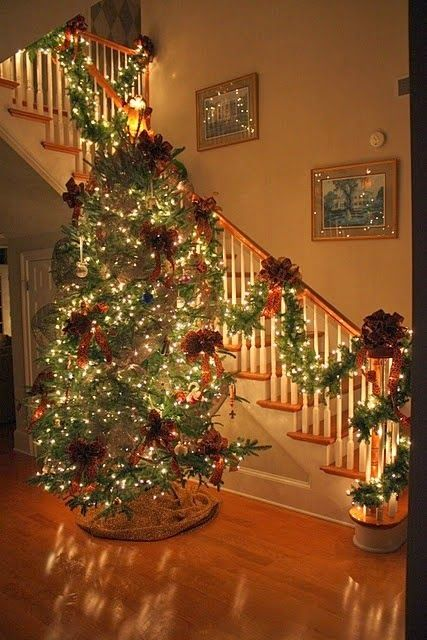 Reminds Me Of Mare S How The Tree Shines So Bright Christmas