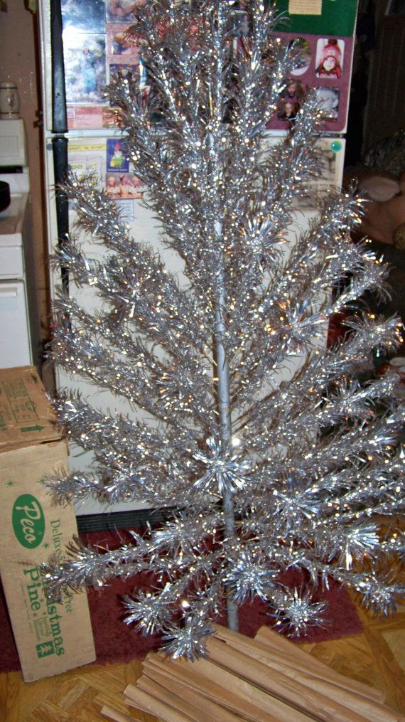 Vintage Silver Aluminum Christmas Tree in Original Box by Pohlmans ...