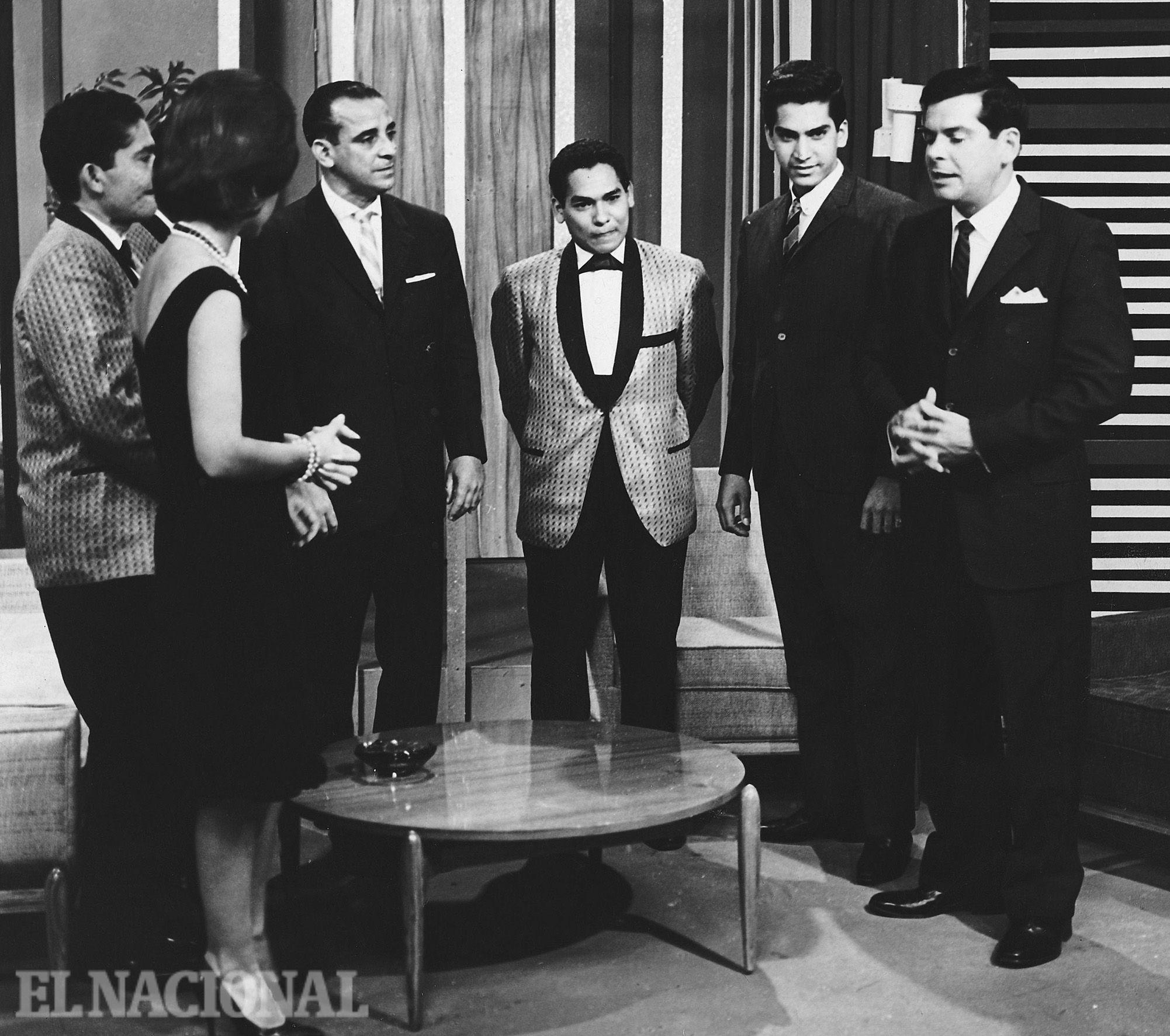 "Resultado de imagen de Billo Frometa cantan Víctor Piñero, Alberto Beltrán, Pío Leiva, Carlos Díaz, etc."""