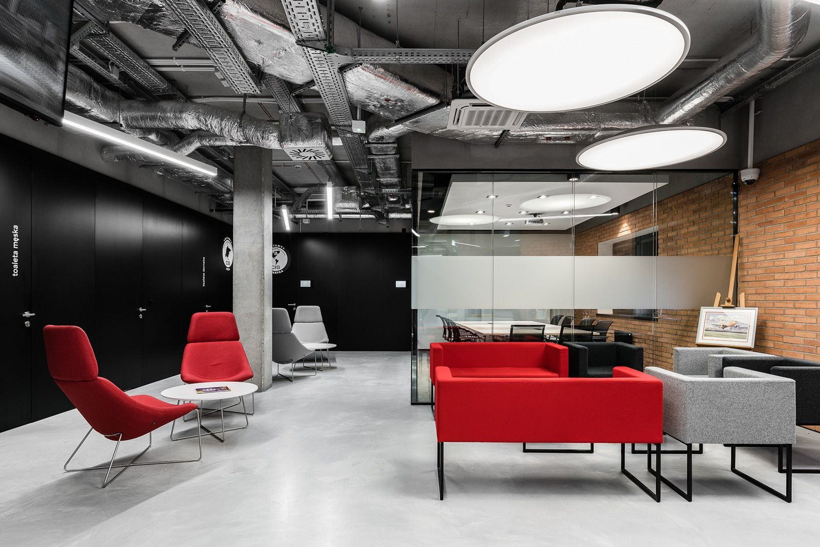 Modern And Elegant Offices Designed By The Firm Thedesigngroup