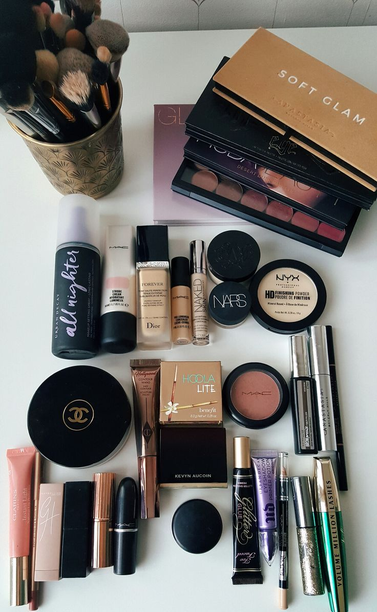 My kinda minimalistic makeup collection I'm so satisfied
