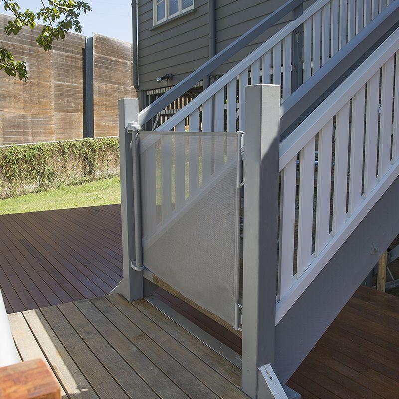 Outdoor Retractable Baby Gate Retractable baby gate