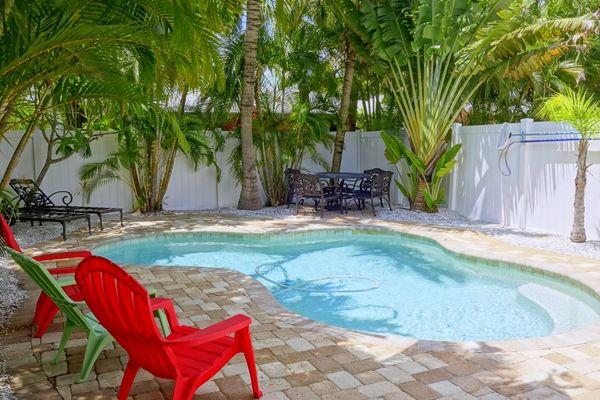 Gulf Breeze Villa A 204a 65th St Anna Maria Island Florida Anna Maria Island Rentals Pools Vacation Anna Maria Island