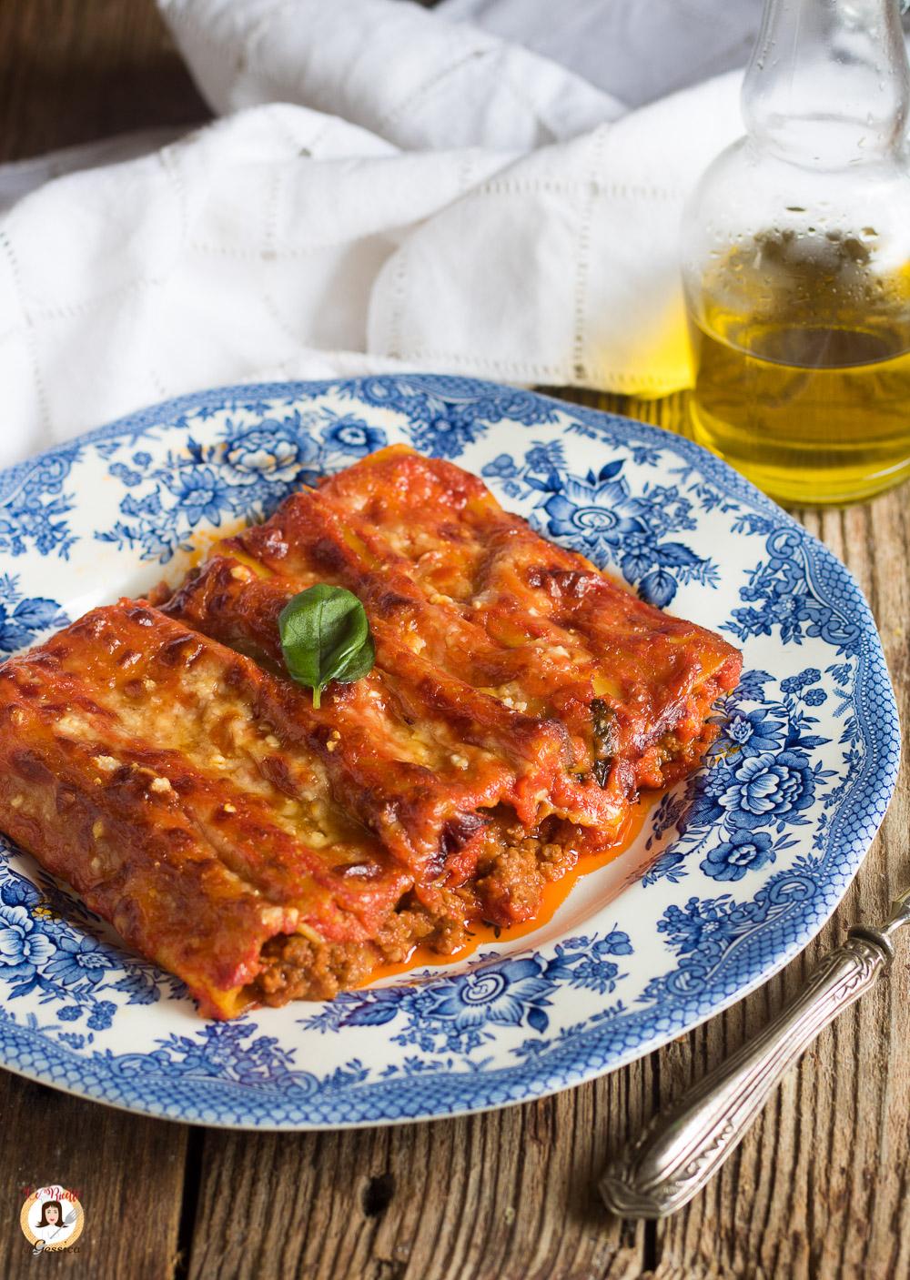 Cannelloni Al Ragù Pasta Al Horno Rellena De Carne Sin Bechamel Pasta Al Forno Ragù Piatti Di Cucina