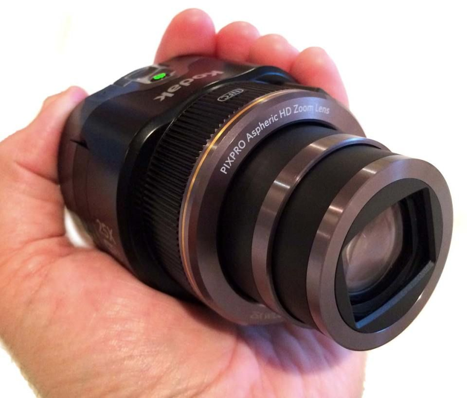 Kodak Pixpro Zoom Lens Turns Your Iphone Into A Powerful Camera
