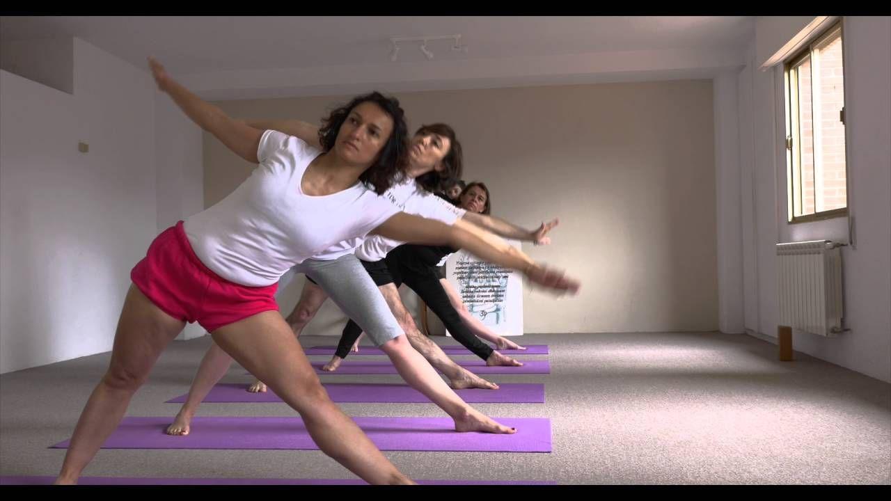 Clases De Yoga Iyengar En Las Rozas De Madrid España Youtube Yoga Iyengar Clase De Yoga Iyengar