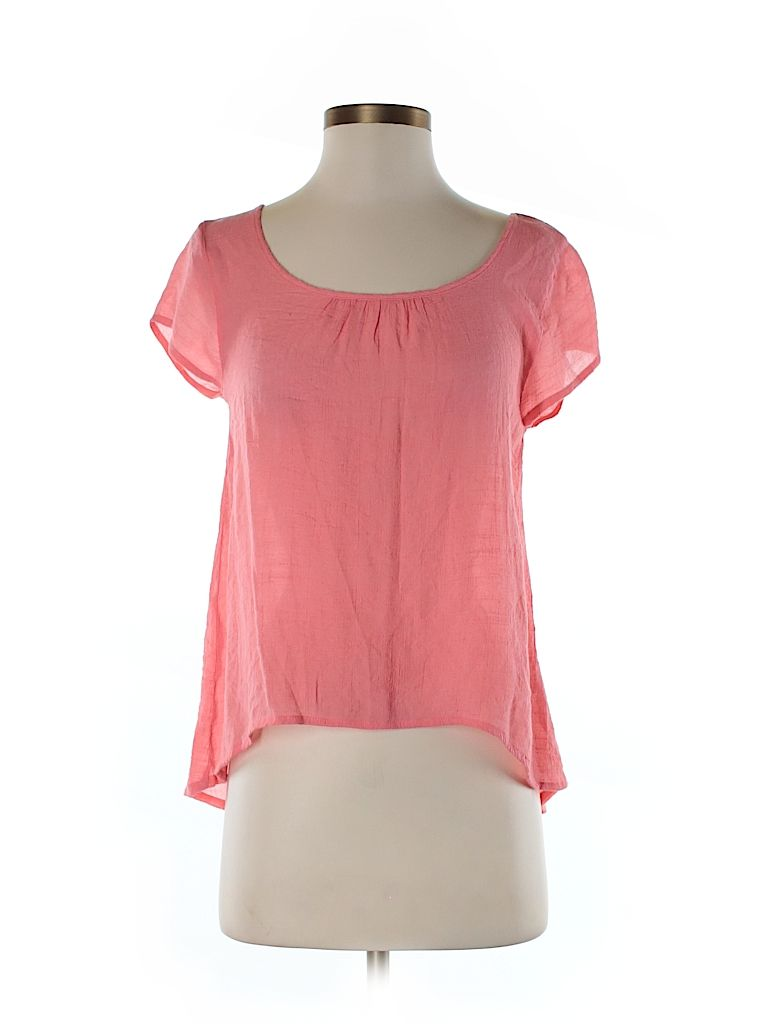 Check it out—Edme & Esyllte Short Sleeve Blouse for $13.49 at thredUP!