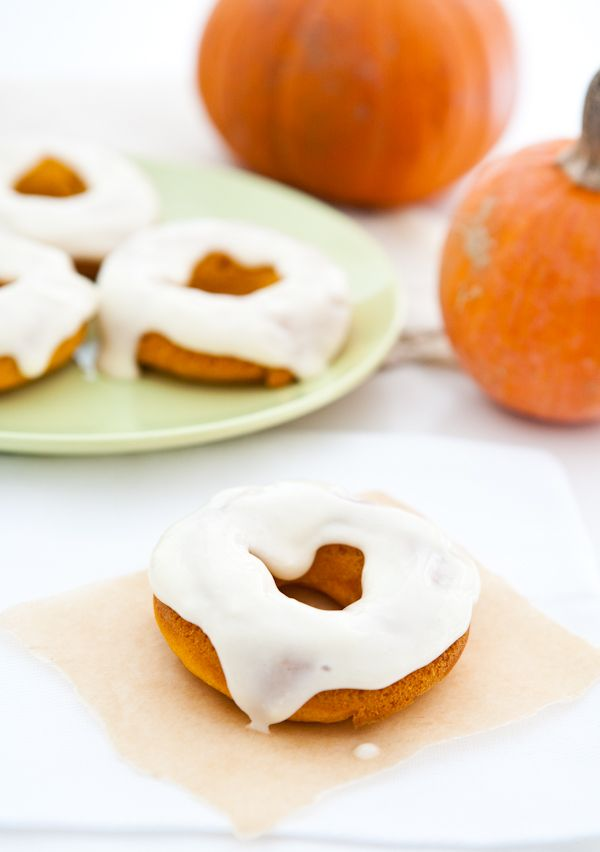 Baked Pumpkin Donuts with Cream Cheese Maple Icing