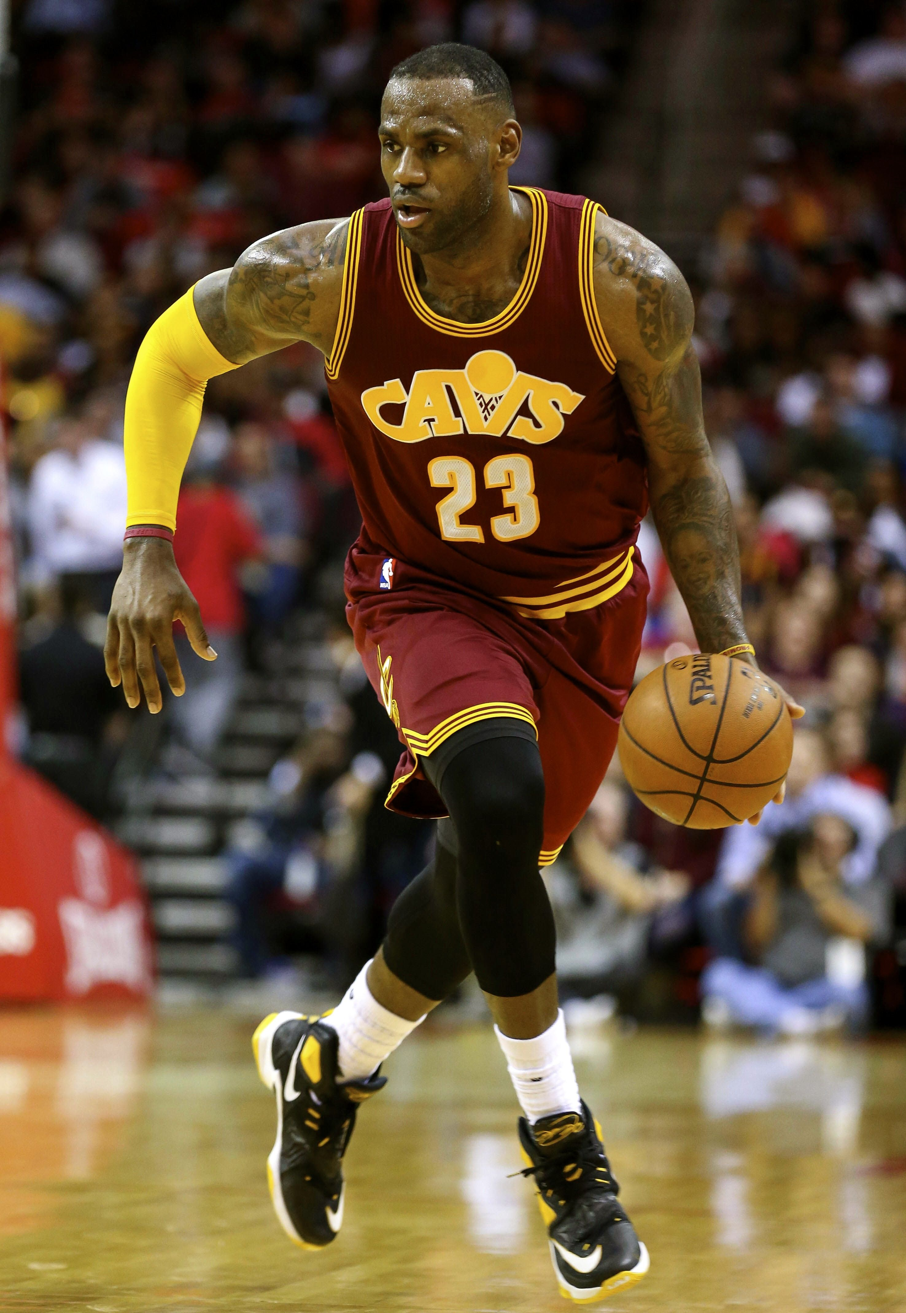 LeBron James Cleveland Cavaliers drives to the basket ...
