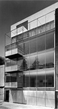 Ramón Torres y Héctor Velázquez: Edificio Kepler, Anzures, México D.F. 1957. 1 · Pinned from. icaronycteris.tumblr.com