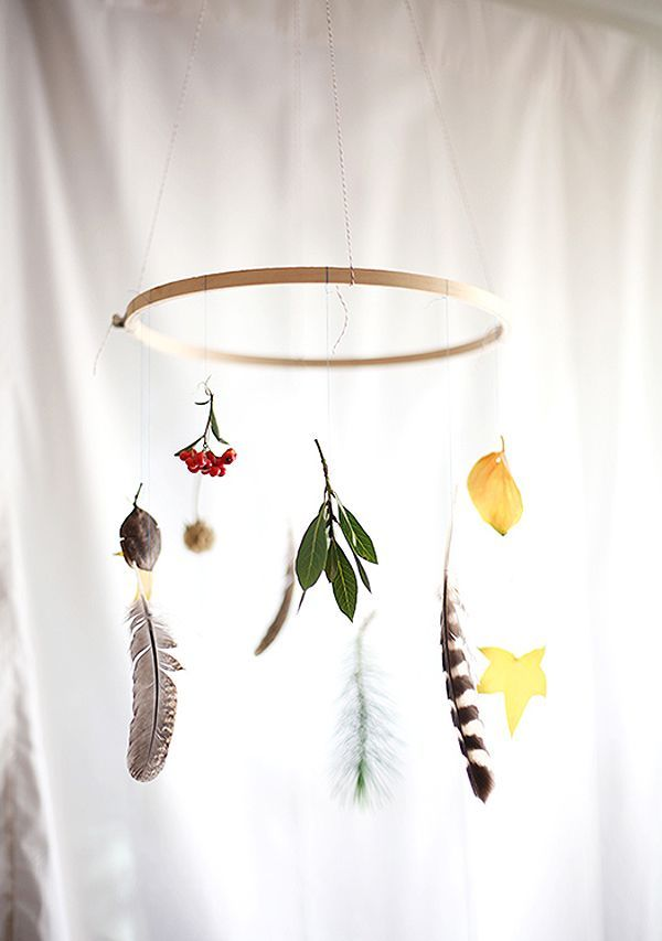Bohemian Homes DIY Nature Mobile (Bohemian Homes) #Fallcrafts #NaturalMaterials