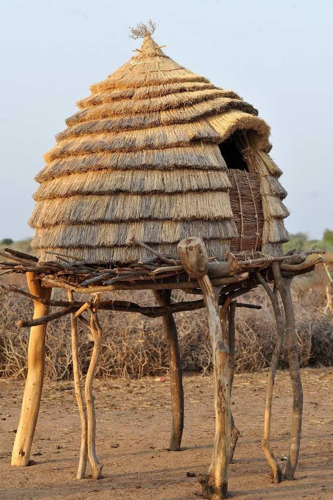 Toposa Soudan Formes Et Matieres D Afrique Architecture Vernaculaire Architecture Traditionnelle Afrique