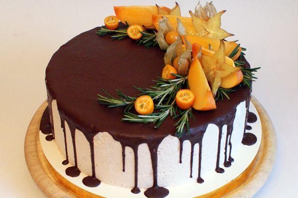 Как украсить торт шоколадом и фруктами? | Десерты, Торт на ...
