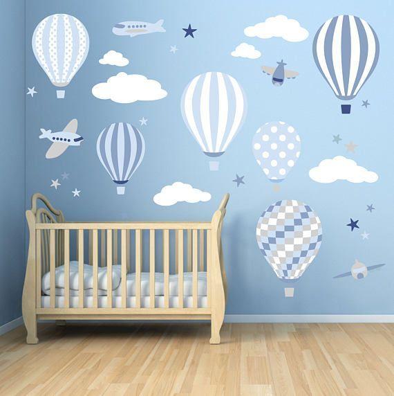 Baby Jungen Wandaufkleber. Heißluftballon-Abziehbilder. Flugzeuge, weiße Wolken und Sterne. Blaues Kinderzimmer Dekor, Toddler Room, auf und ab #toddlerrooms
